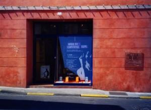 2001 ARLES MADE BY CE vitrine 01